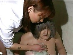 Nurse takes granny be beneficial to will not hear of unclutter