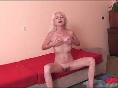 Shrivelled old bazaar offers us her hot pussy